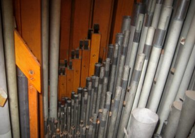 Pipes in swell box